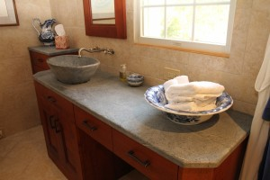 Bread baker vessel sink